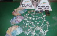 PM apreende drogas e dinheiro no Santa Cruz e Esperança