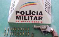 Revólver e munições apreendidos em casa de idoso